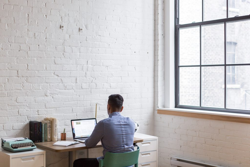 Aim To Win Strategies to Manage a Newly Remote Team